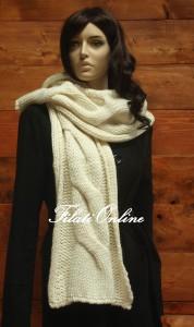 SC02 sciarpa treccione misto lana color panna misura 27x188cm e pesa 135gr costo 23€