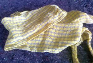 sciarpa creata con telaio in loegno a mano