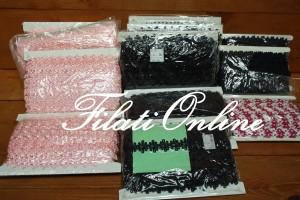 2 Applicazioni ricamate rosa nere e bianche e fuxia, 2620gr 79€, 12 pezzi .